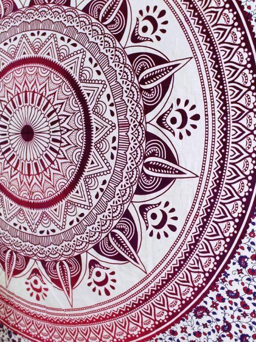Tenture Mandala Rouge psychedelique hippie et pas cher