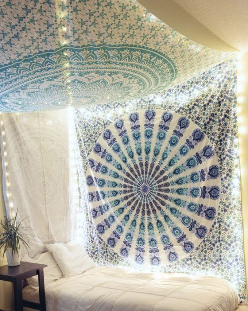 tenture chambre au plafond