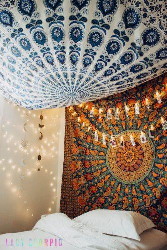 tenture murale chambre au plafond